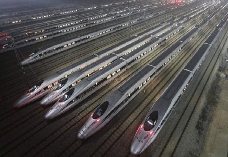 """长沙南17日起通宵运行:""""红眼""""高铁,让回家不再""""眼红"""""""