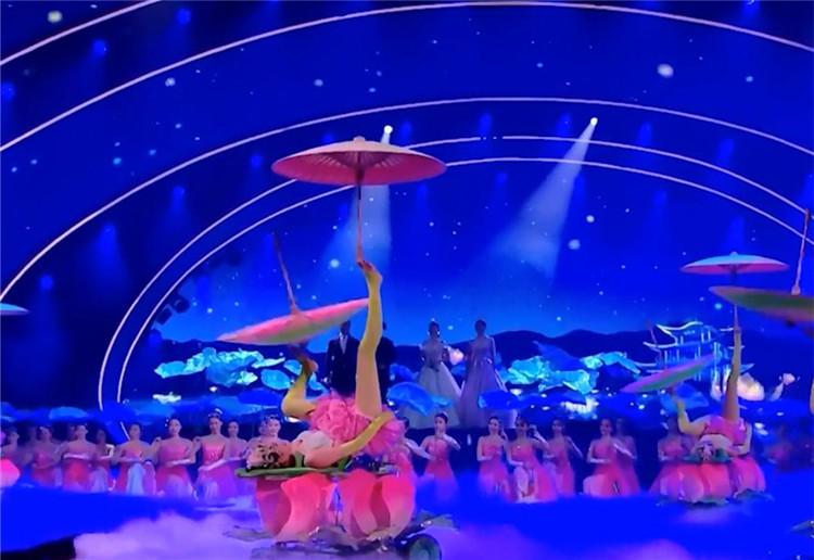 2020湖南卫视春晚丨陈香水廖佳琳等演唱《洞庭天下水》看绝美家乡山水