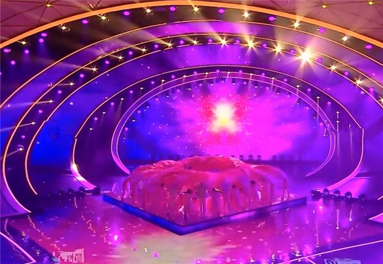 2020湖南卫视春晚丨雷佳高亢嘹亮唱响《花开新时代》展望美好未来