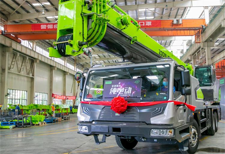 全球首台纯电汽车起重机长沙下线,综合成本仅为同级35%