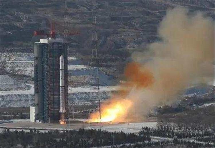 """罗俊代表:""""天琴二号""""计划2025年前后发射"""